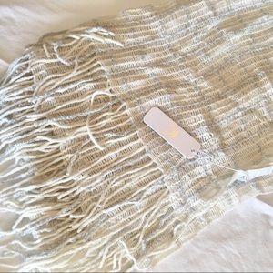 NWT Cozy checkered scarf